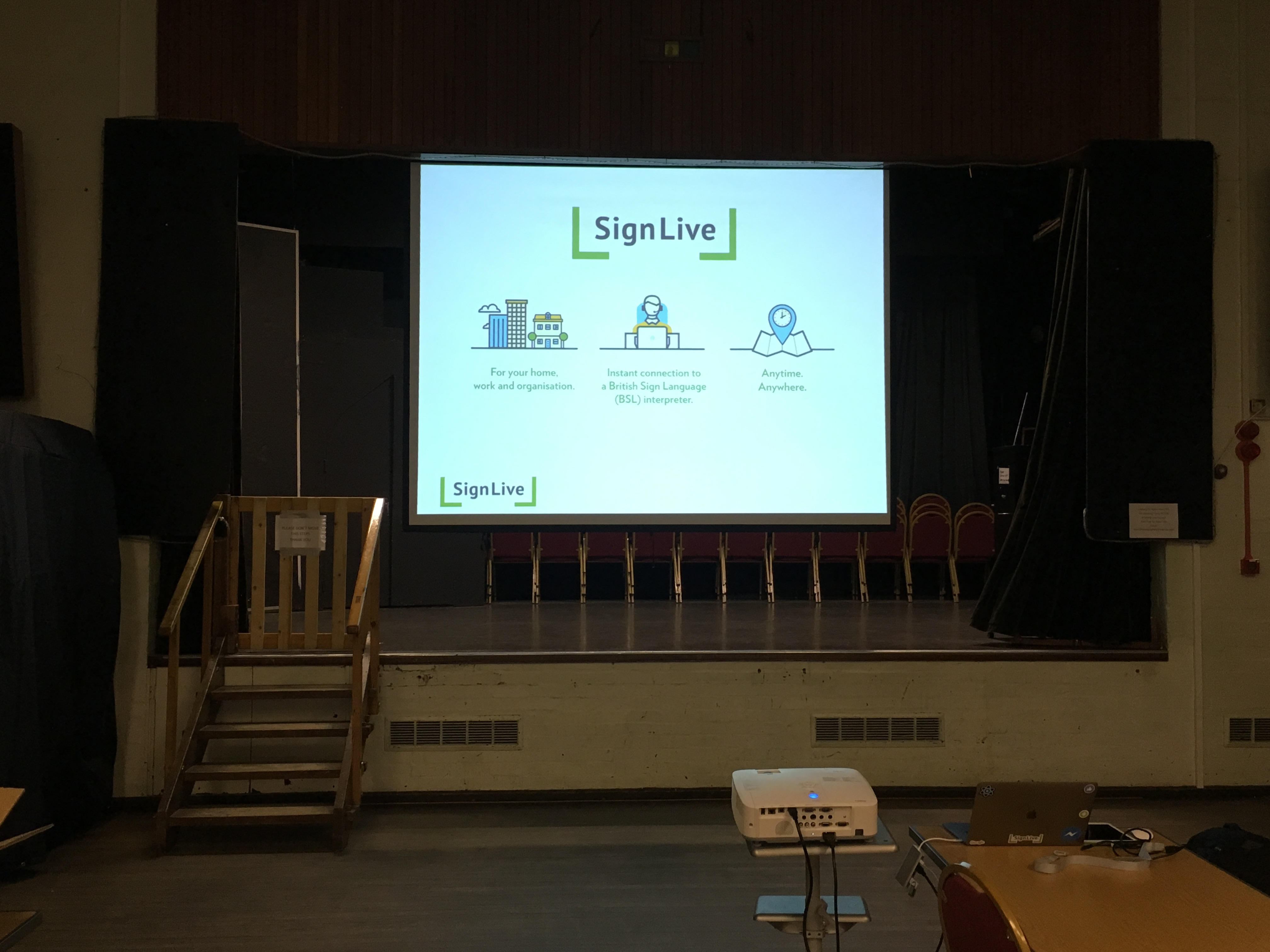 SignLive – First Video Relay Service (VRS) ever demonstration at